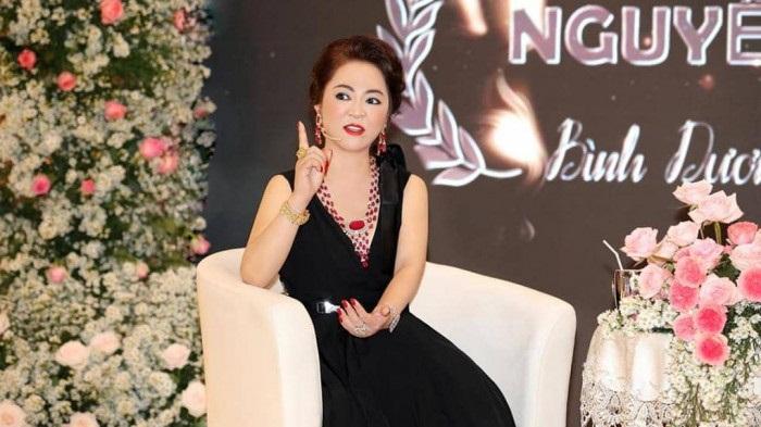 MC Quốc Bình hỏi 'gắt' bà Nguyễn Phương Hằng: Nghệ sĩ không chữa bệnh nan y, sao bắt họ lên tiếng? - Ảnh 3