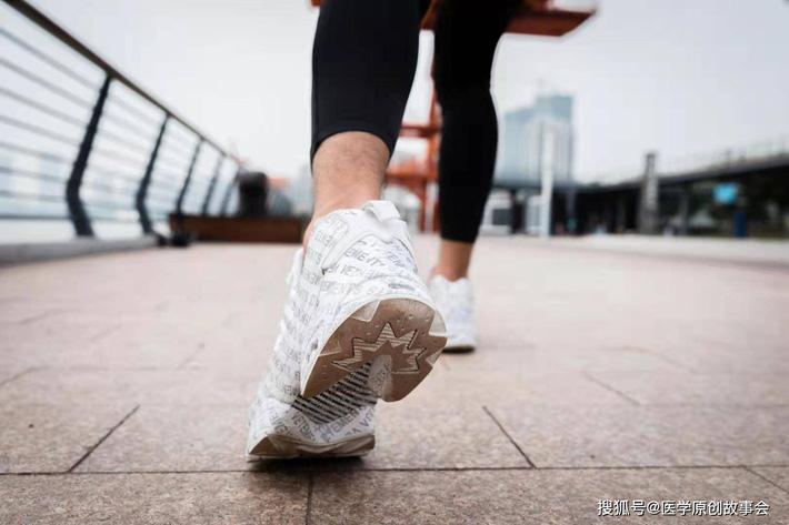Những người có tuổi thọ ngắn thường có 3 đặc điểm này khi đi bộ, sau 45 tuổi hy vọng bạn không mắc phải bất kì điểm nào - Ảnh 3