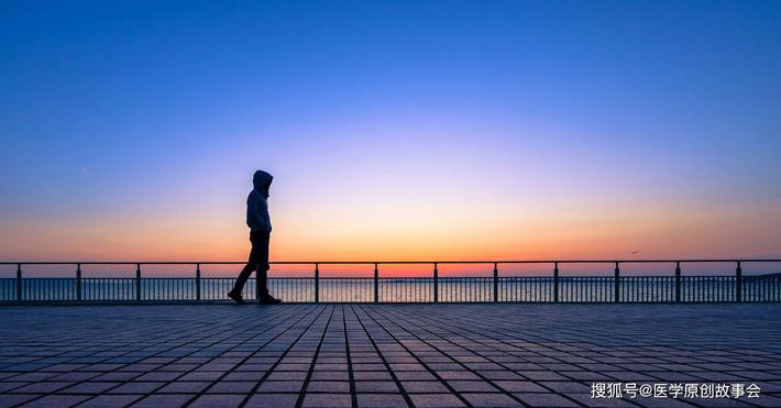 Những người có tuổi thọ ngắn thường có 3 đặc điểm này khi đi bộ, sau 45 tuổi hy vọng bạn không mắc phải bất kì điểm nào - Ảnh 2