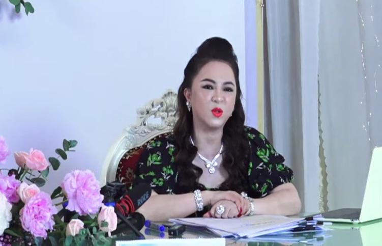 Bị bà Phương Hằng tố gửi bùa ngải đến tận Đại Nam, 'chính chủ' lên tiếng: 'Tôi lo kiếm tiền nuôi gia đình chứ tôi đâu rảnh' - Ảnh 2
