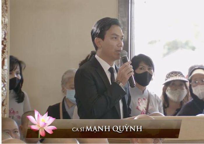 Cớ vì sao Mạnh Quỳnh liên tục tự trách mình vô dụng trong tang lễ Phi Nhung? - Ảnh 1