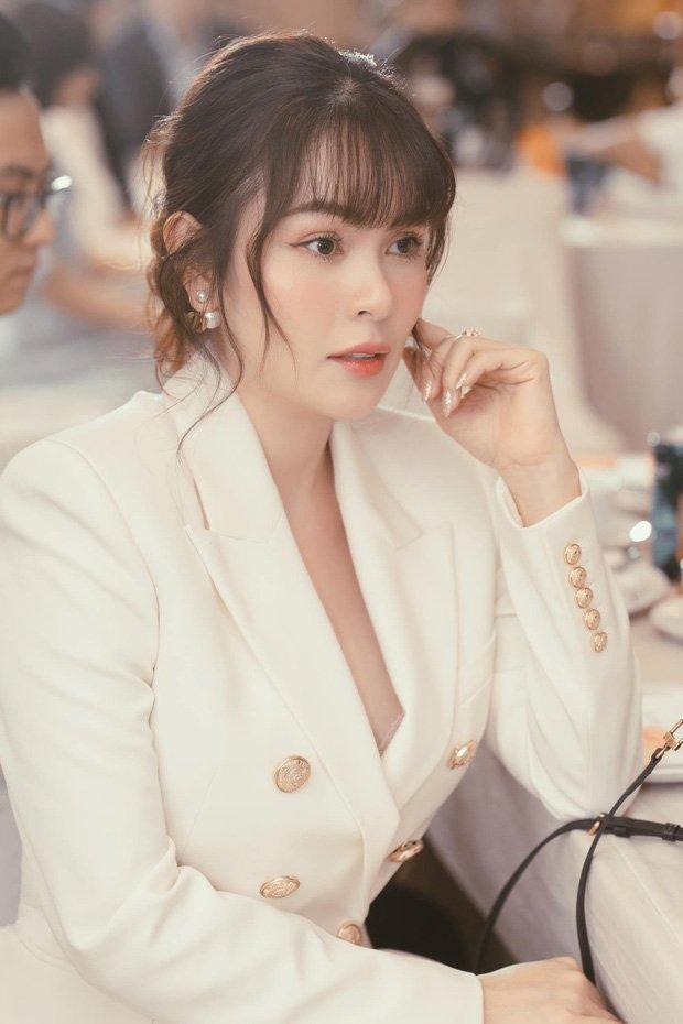 Ở đâu có drama là ở đó xuất hiện Hoa hậu Phương Lê: Hết dạy dỗ Quế Vân lại đòi Phi Nhung trả tiền cho Hồ Văn Cường - Ảnh 1