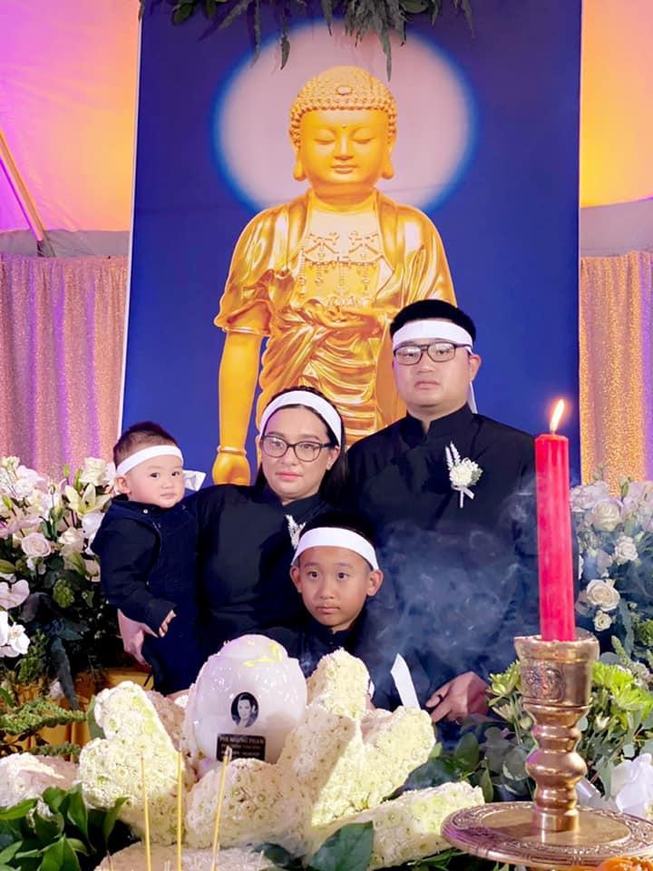 Sau lễ tang của Phi Nhung, con gái ruột nghẹn ngào cầu xin điều cuối cùng dành cho mẹ: Nghe mà đau thắt! - Ảnh 1