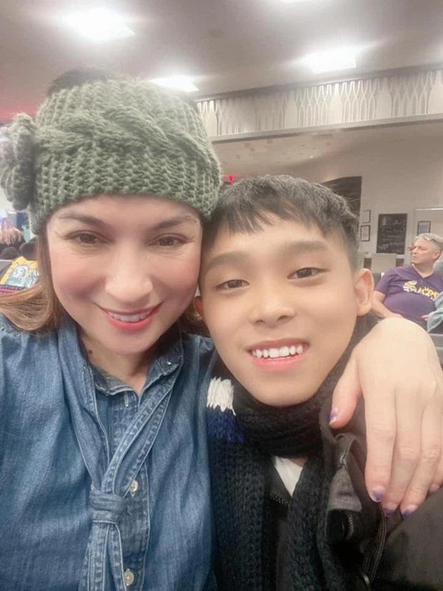 Sau clip 'náo loạn' MXH của gia đình Hồ Văn Cường, Phi Nhung viết 2 từ lên Facebook thôi mà gây xôn xao dư luận - Ảnh 4