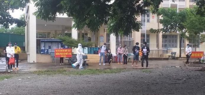 Hà Tĩnh không tổ chức đón công dân trốn trong xe đông lạnh về quê: 'Nếu làm bùng phát dịch bệnh sẽ bị khởi tố' - Ảnh 1