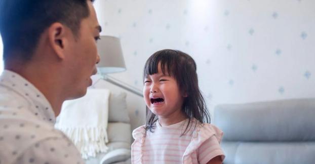 5 sai lầm khi kỷ luật con nhiều người mắc phải khiến trẻ ngày càng hư hỏng, xa cách cha mẹ - Ảnh 2