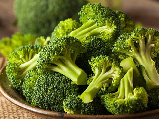 Uống nước rau củ quả buổi sáng rất tốt nhưng có 6 loại rau quả tuyệt đối không nên dùng để ép nước vì có thể làm mất dinh dưỡng hoặc gây hại cơ thể - Ảnh 2