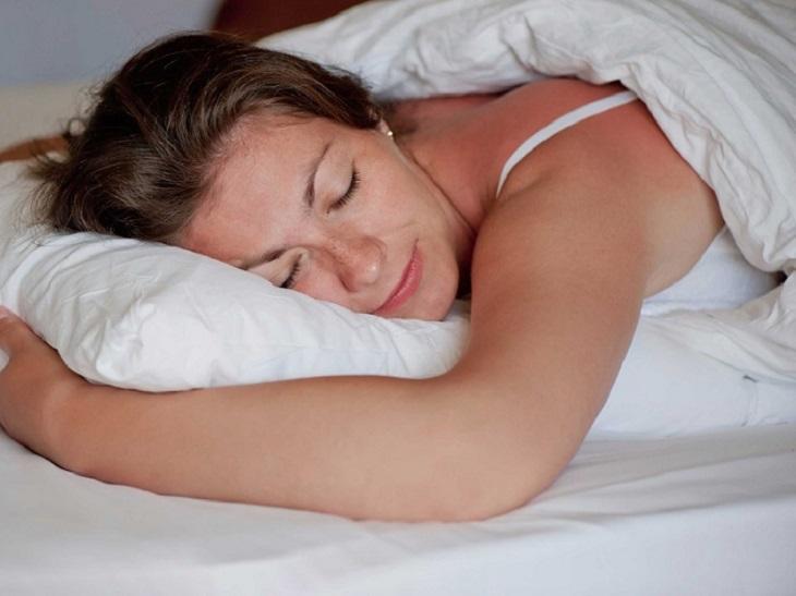 Nếu bạn muốn giảm đau lưng, đừng quên lựa chọn những tư thế ngủ này vào ban đêm - Ảnh 4