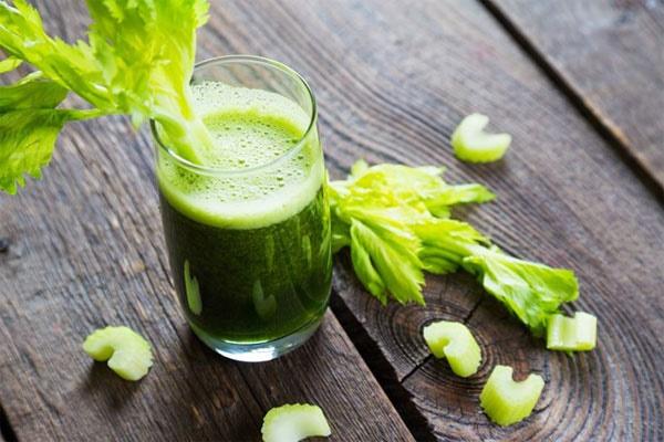 Điều gì xảy ra với cơ thể khi uống 1 ly cần tây mỗi ngày? - Ảnh 2