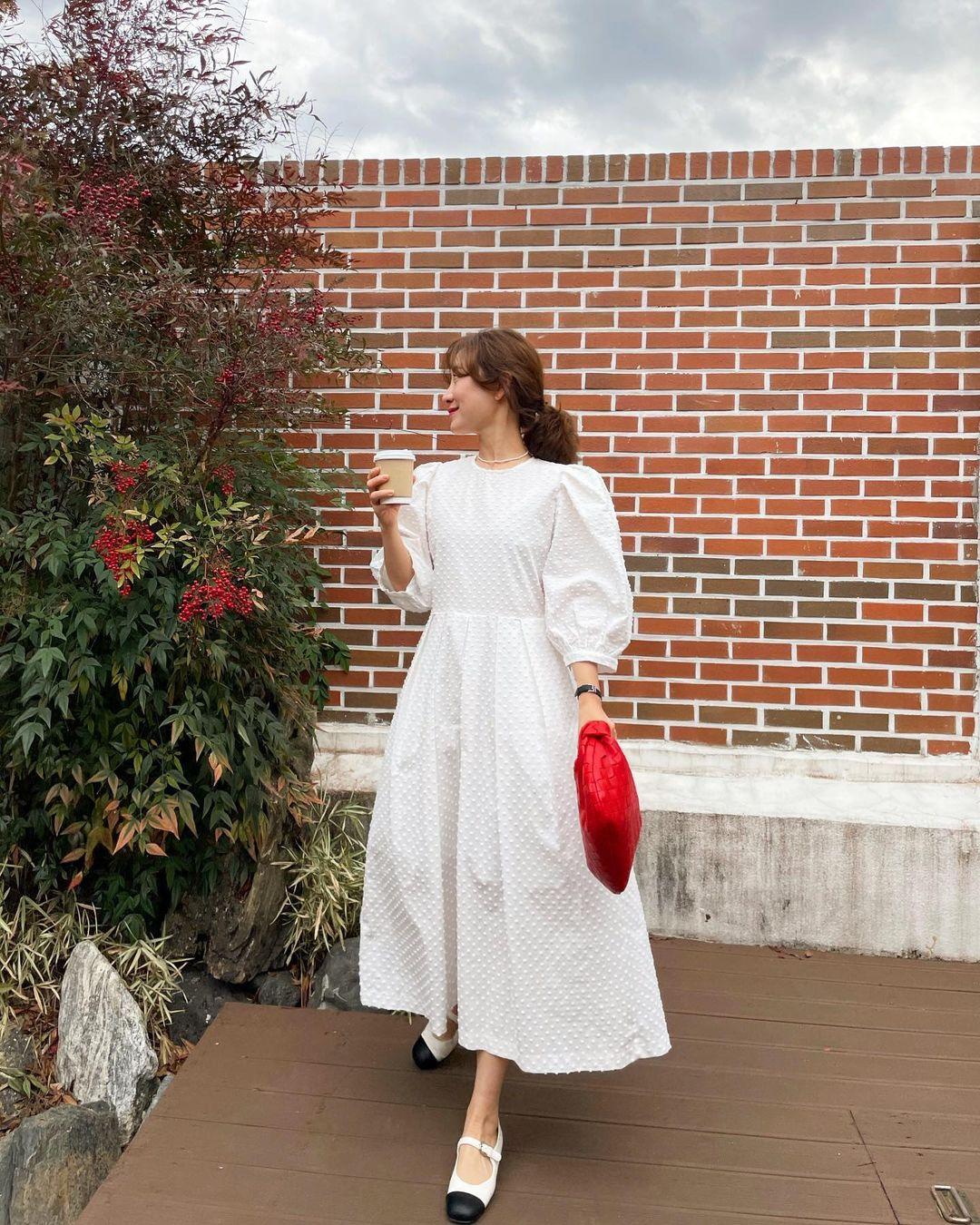 Hè đến là gái Hàn lại diện đủ kiểu váy trắng siêu trẻ xinh và tinh tế, xem mà muốn sắm cả 'lố' về nhà - Ảnh 2