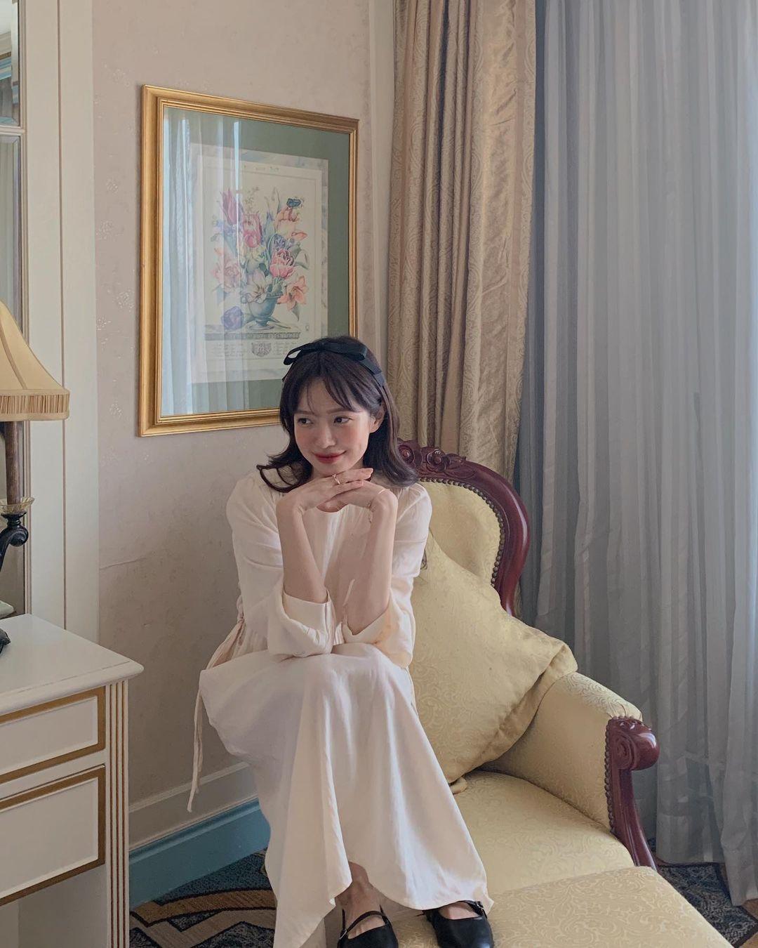 Hè đến là gái Hàn lại diện đủ kiểu váy trắng siêu trẻ xinh và tinh tế, xem mà muốn sắm cả 'lố' về nhà - Ảnh 5