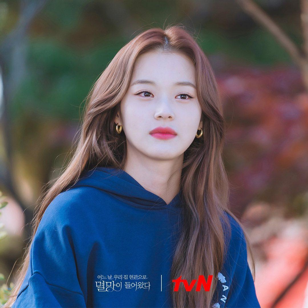 4 màu tóc nhuộm đang hot rần rần trong phim Hàn, chị em áp dụng thì độ sang chảnh lên một tầm cao mới - Ảnh 10