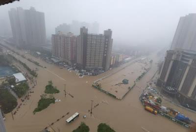 Trận mưa lớn '5000 năm có 1' làm đường phố Trung Quốc ngập sâu, Thiếu Lâm Tự phải đóng cửa để bảo toàn hạ tầng - Ảnh 6