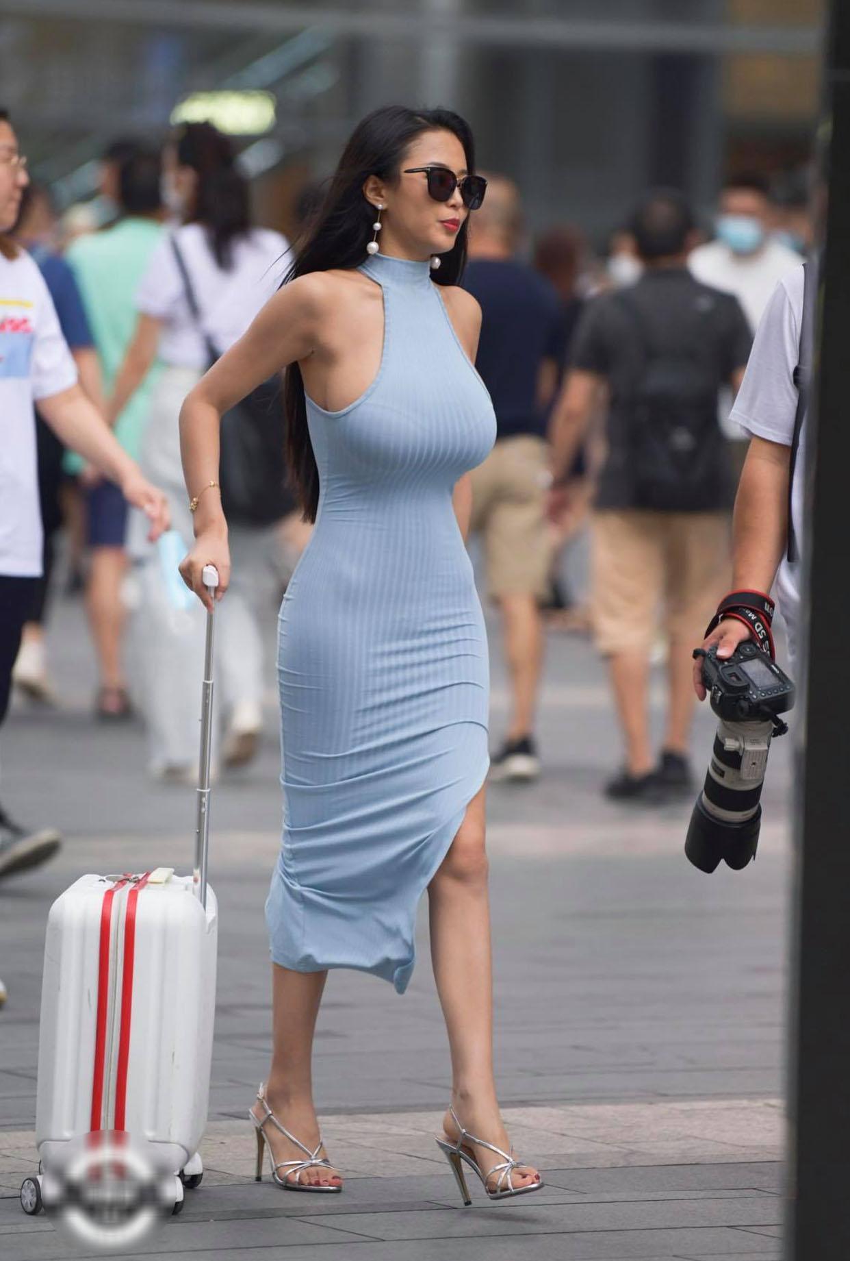 Hot girl đường phố diện đầm body khoe 3 vòng 'căng đét' nhưng biến thành thảm họa vì chọn nội y 'sai bét' - Ảnh 4