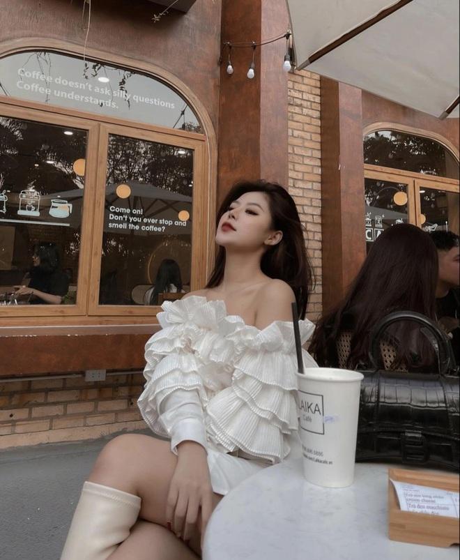 Ở tuổi 21, nàng hot girl 'xinh nhất Hà Nội' tự sắm ô tô tiền tỷ, cuộc sống sang chảnh 'hết nấc' - Ảnh 3
