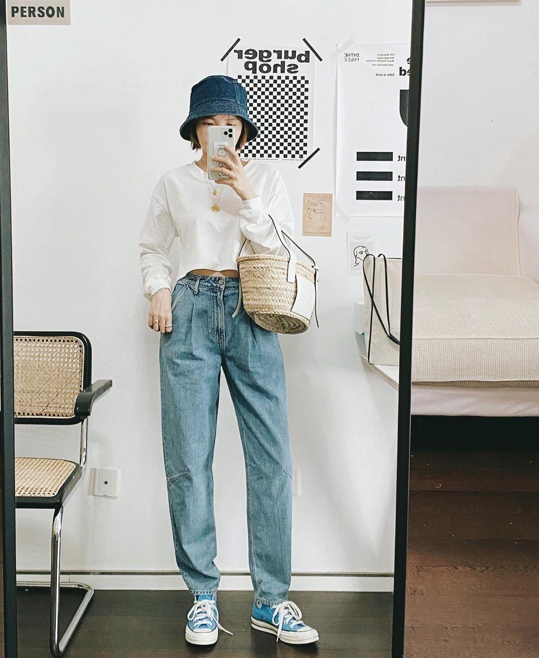 Mê quần jeans nhưng sợ phát ngốt vì nắng hè, chị em cứ nhắm trúng 4 kiểu dáng thoải mái sau mà diện - Ảnh 4