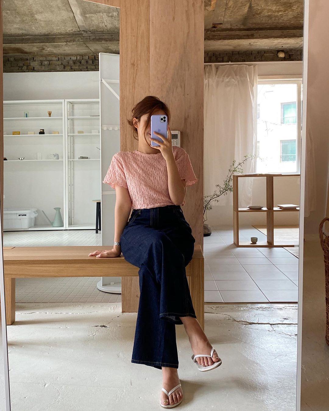 Mê quần jeans nhưng sợ phát ngốt vì nắng hè, chị em cứ nhắm trúng 4 kiểu dáng thoải mái sau mà diện - Ảnh 7