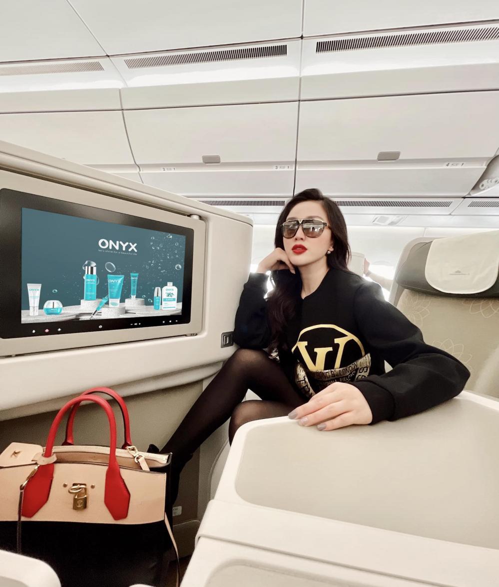 Huyền Baby, Nhã Phương, Bảo Thy: Lấy chồng giàu còn được chiều nhất showbiz Việt - Ảnh 15