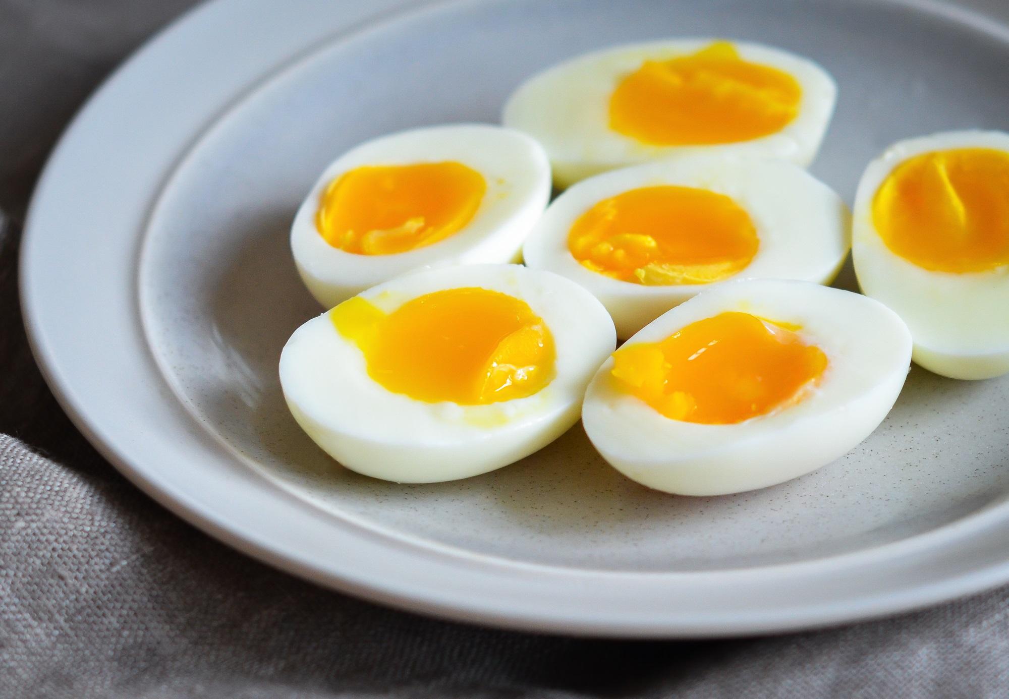 Người Việt cần từ bỏ thói quen ăn trứng luộc như thế này kẻo gây ngộ độc hoặc khiến món ăn mất sạch dinh dưỡng - Ảnh 4