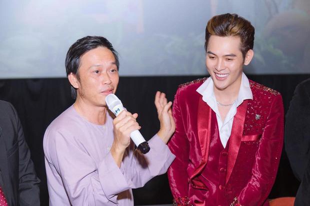 Giữa lúc đám tang bố nghệ sĩ Hoài Linh, 'cháu nuôi' danh hài có động thái 'LẠ' khiến dư luận đặt 'dấu chấm hỏi' lớn - Ảnh 1