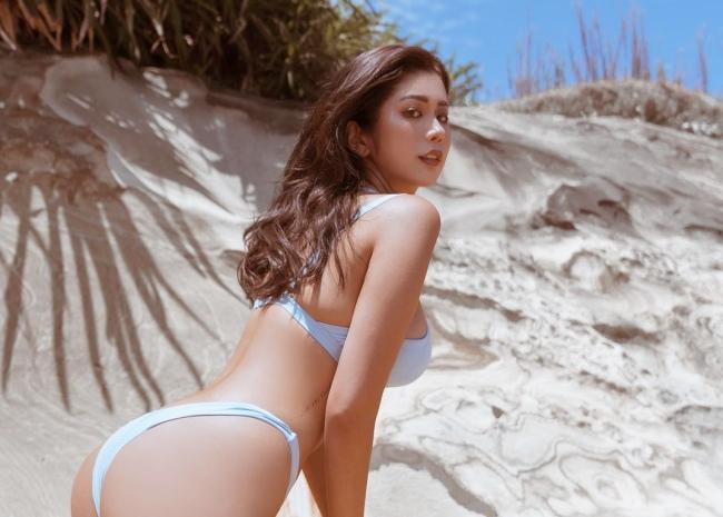 Hot girl 9