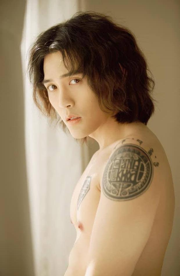 Giữa lúc đám tang bố nghệ sĩ Hoài Linh, 'cháu nuôi' danh hài có động thái 'LẠ' khiến dư luận đặt 'dấu chấm hỏi' lớn - Ảnh 2