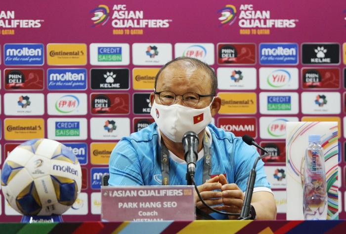 Sau trận thua với Trung Quốc, HLV Park xin nhận trách nhiệm thay cho các cầu thủ Việt Nam - Ảnh 2