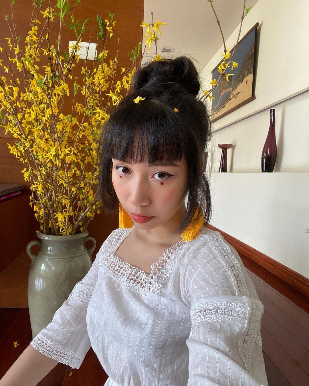 Thần thái của con gái Mỹ Linh quá xuất sắc: Để tóc nào cũng đẹp, kiểu khó nhằn đến mấy cũng cân được tuốt - Ảnh 8