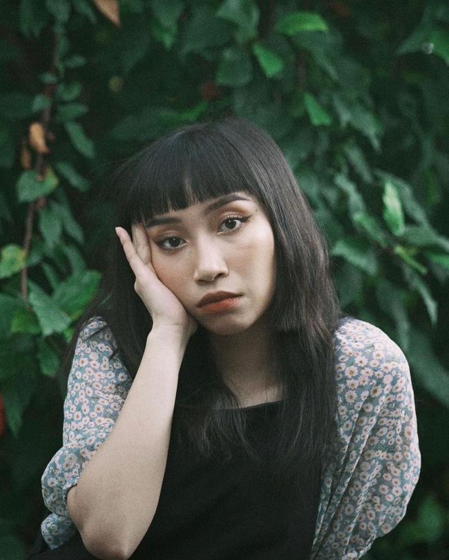 Thần thái của con gái Mỹ Linh quá xuất sắc: Để tóc nào cũng đẹp, kiểu khó nhằn đến mấy cũng cân được tuốt - Ảnh 1