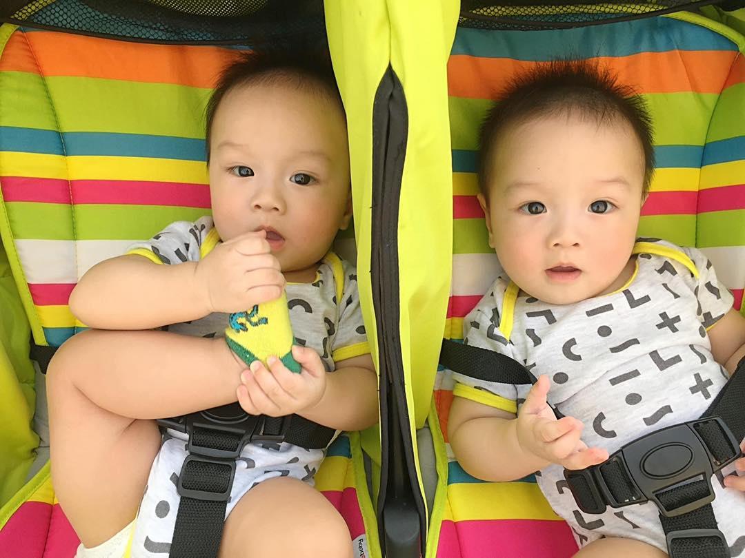 3 cặp song sinh rich kid đáng yêu nhất của các gia đình Việt, toàn 'nam thần nhí' khiến team bỉm sữa thích mê - Ảnh 8