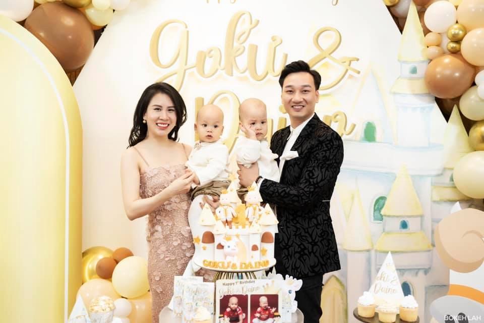 3 cặp song sinh rich kid đáng yêu nhất của các gia đình Việt, toàn 'nam thần nhí' khiến team bỉm sữa thích mê - Ảnh 25