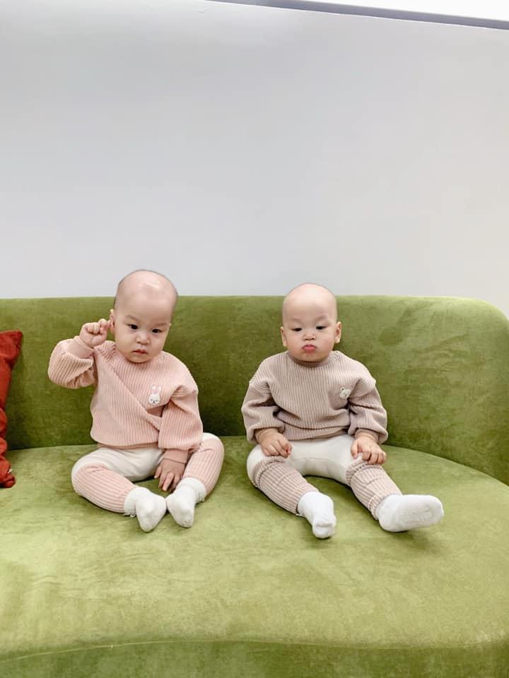 3 cặp song sinh rich kid đáng yêu nhất của các gia đình Việt, toàn 'nam thần nhí' khiến team bỉm sữa thích mê - Ảnh 26