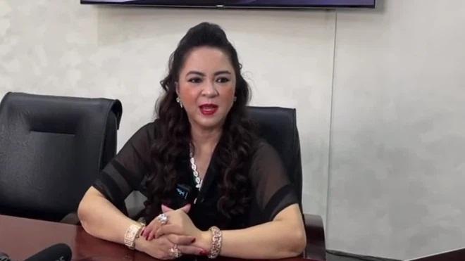 Phẫn nộ đỉnh điểm: Vợ ông Dũng 'lò vôi' tự nhiên thách thức dàn nghệ sĩ Việt đấu 'mạng đổi mạng' với lời lẽ thô tục ở Đại Nam - Ảnh 2