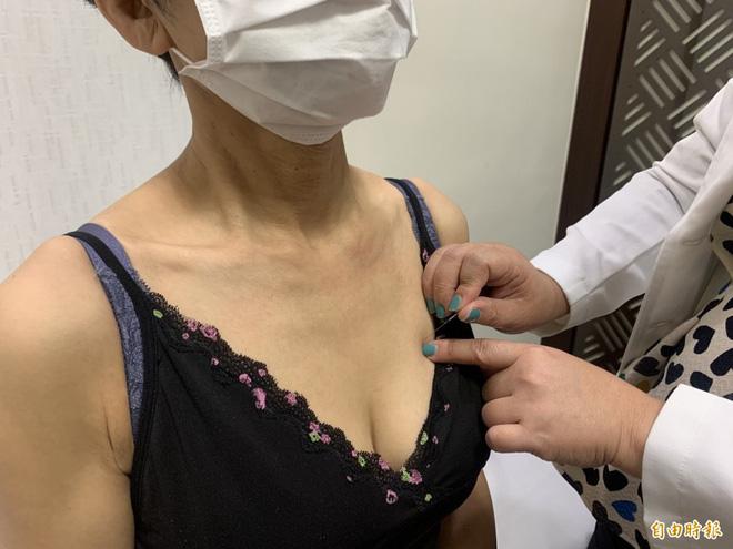 Dù là nam hay nữ, hàng ngày chăm sờ nắn vào 3 vị trí sau trên cơ thể, nếu phát hiện u cục thì chứng tỏ ung thư đang tìm đến bạn - Ảnh 1