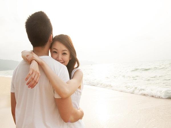 Hẹn hò với người hơn cả tuổi bố, cô gái tiết lộ nguyên nhân điên rồ khiến mọi người 'đỏ mặt'