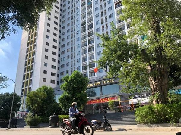 F0 ở nhà 2 tháng dương tính với Covid-19, Hà Nội phong tỏa chung cư có hơn 1.200 người dân