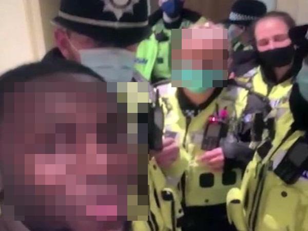 20 cảnh sát đồng loạt lên tiếng xin lỗi khi trót làm điều này với chàng Youtuber nổi tiếng