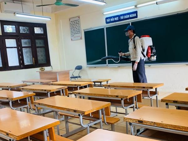Một địa phương cho học sinh nghỉ học vì có 152 giáo viên, học sinh mắc COVID-19