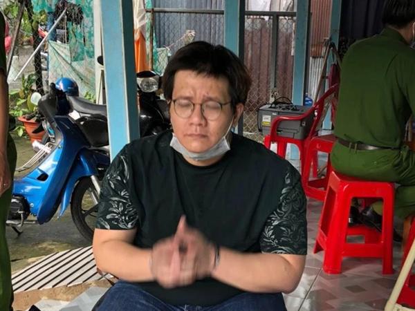 """Nhâm Hoàng Khang lên mạng """"nói đạo lý"""", mấy tiếng sau thì bị công an bắt"""