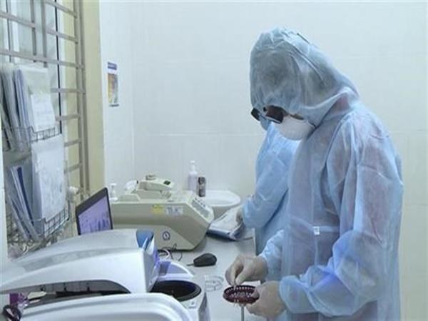 TP.HCM có thêm 1 ca dương tính Covid-19 liên quan đến 'ổ dịch' sân bay Tân Sơn Nhất