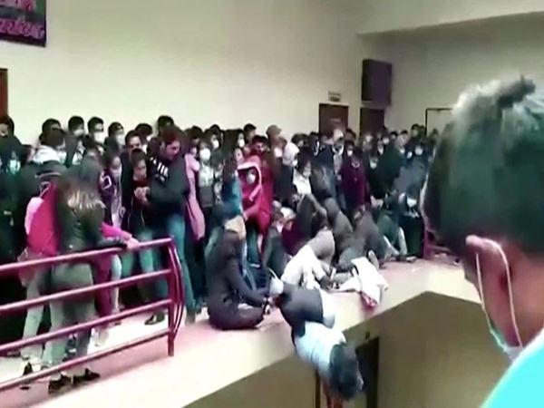 Kinh hoàng cảnh 7 sinh viên tử vong khi ngã từ tầng 4 tòa nhà do lan can bất ngờ bị đổ