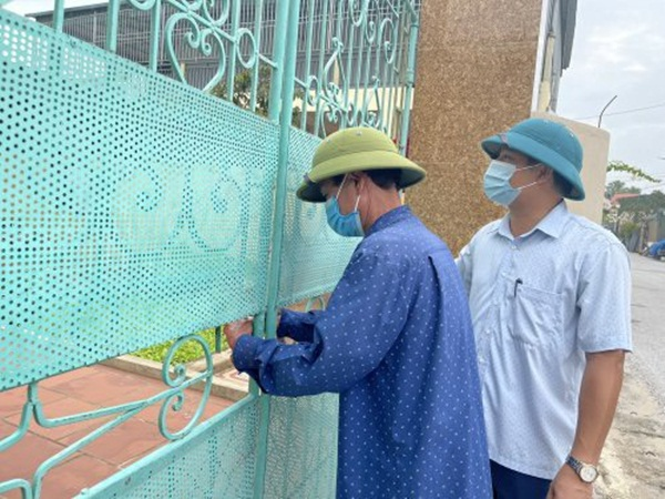Thanh Hóa: Khóa cổng 278 hộ F2 cách ly tại nhà vì khó quản lý, giám sát