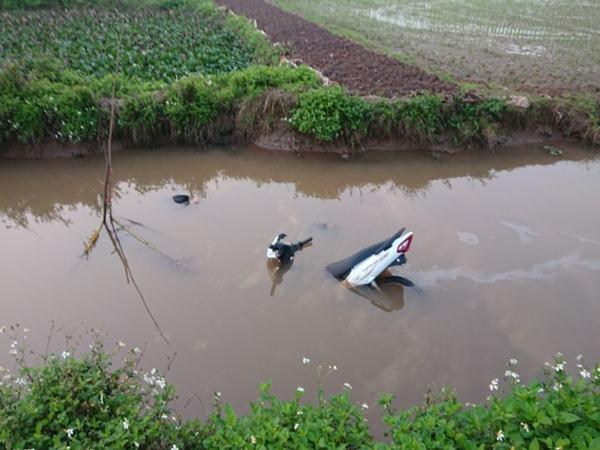 Vụ thi thể hai thanh niên dưới mương nước: Gặp nạn trên đường đi viếng tang đồng đội cũ