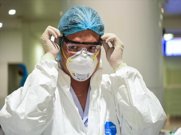 Chùm bệnh nhân liên quan đến sân bay Tân Sơn Nhất có 'biểu hiện lạ'