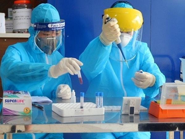 Xét nghiệm hơn 1000 người liên quan đến 2 ca mắc Covid-19 trong cộng đồng