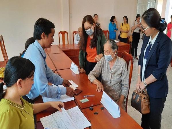 TP.HCM: Danh sách hỗ trợ Covid-19 ở một phường có hàng trăm người 120 tuổi?