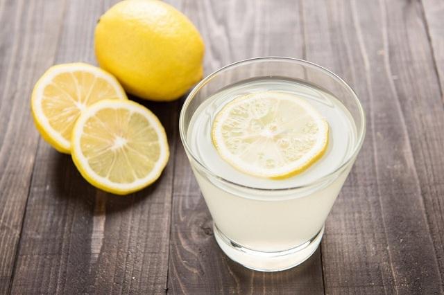 Uống 1 ly nước chanh vào thời điểm này, phụ nữ nhận về 5 lợi ích 'thần kỳ' này cho sức khỏe - Ảnh 2