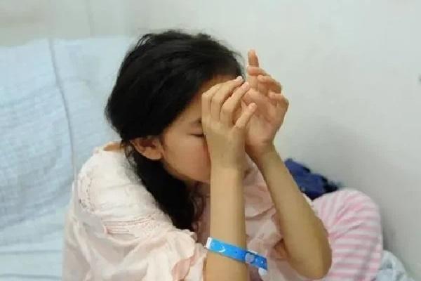 Kết hôn được 1 năm thì bị vô kinh, cô gái ân hận khóc cạn nước mắt vì đã dại dột chiều theo chồng làm điều không thể tưởng này - Ảnh 1
