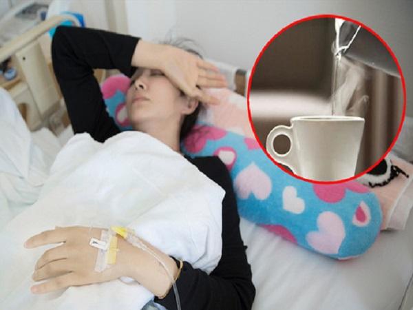 Sai lầm trong việc uống nước khiến cô gái trẻ bị ung thư thực quản giai đoạn cuối, sự sống chỉ còn đếm theo ngày