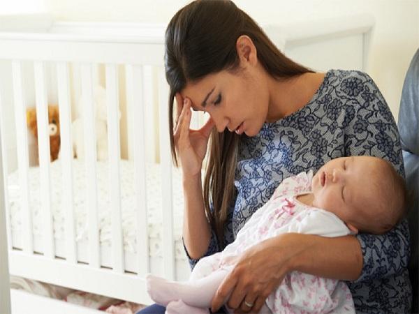 Trong lúc cho con bú bạn tuyệt đối không nên đụng vào 3 thứ này, nếu không sẽ nguy hiểm đến cả mẹ lẫn con